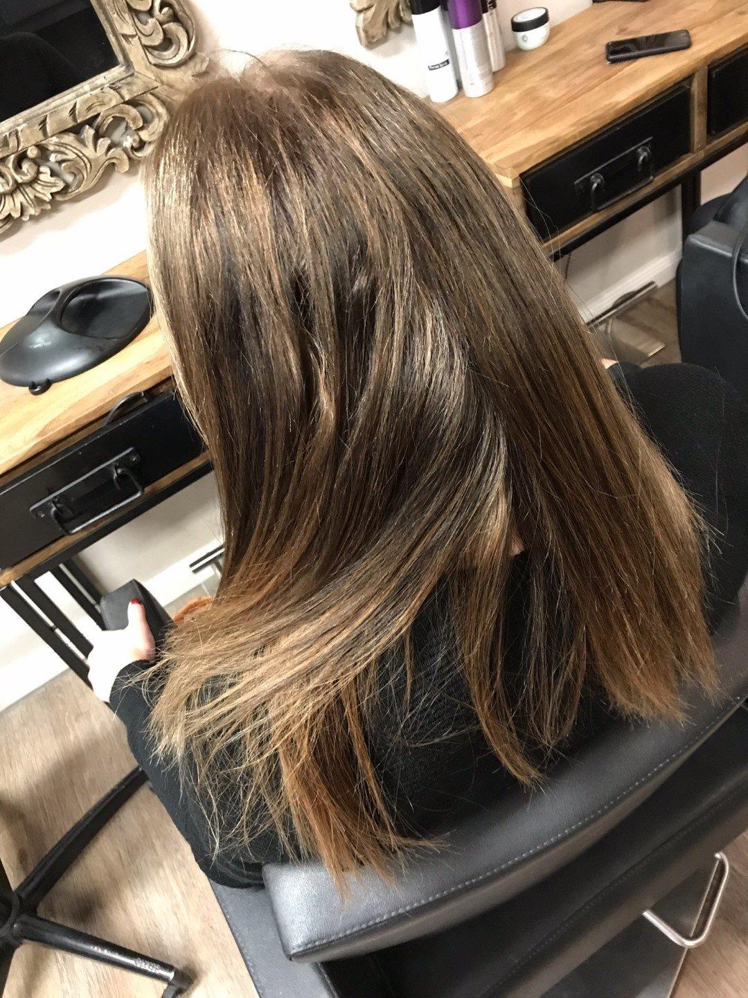 Braunes Haar Friseur Hamburg