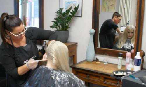 Friseursalon in Hamburg Happy Hair Harburg